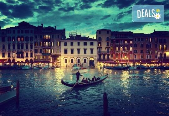 Лято в романтичната Венеция, Италия! 3 нощувки със закуски, самолетен билет и летищни такси - Снимка 7