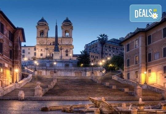 Самолетна екскурзия до Рим през ноември с Дари Травел! 4 дни, 3 нощувки със закуски в хотел 2/3*, самолетен билет, такси, трансфери и водач - Снимка 6