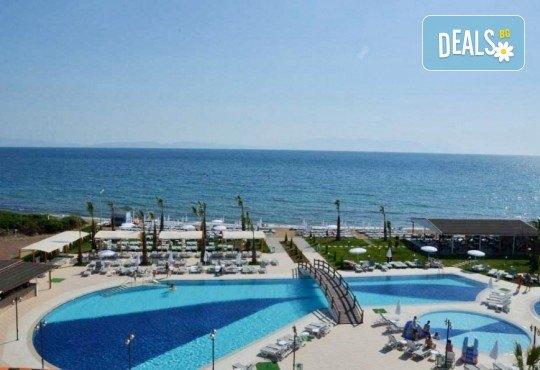 Късно лято в Кушадасъ, Турция, с Глобус Холидейс! 5 или 7 нощувки на база All Inclusive в хотел Notion Kesre Beach Hotel 4+*, възможност за транспорт - Снимка 11