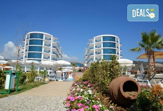 Късно лято в Кушадасъ, Турция, с Глобус Холидейс! 5 или 7 нощувки на база All Inclusive в хотел Notion Kesre Beach Hotel 4+*, възможност за транспорт - Снимка 2