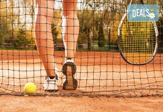 Активно лято в планината! Наем на тенис корт за 1 час или на комплект от 2 ракети с топки от Тенис клуб Боровец! - Снимка 1