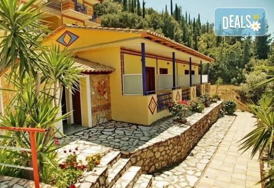 Почивка на о. Лефкада, Гърция! 5 нощувки със закуски в Politia Hotel 3*, транспорт, включени пътни такси и водач - Снимка 8