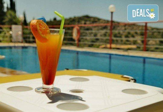 Почивка на о. Лефкада, Гърция! 5 нощувки със закуски в Politia Hotel 3*, транспорт, включени пътни такси и водач - Снимка 11