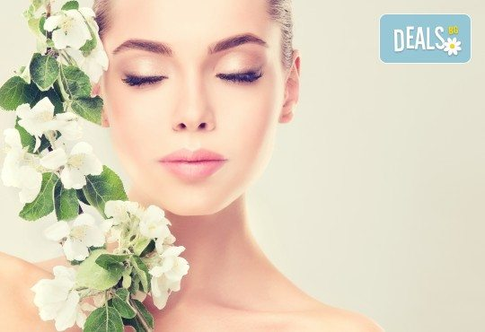 Почистване на лице чрез 3 в 1 терапия с Herbal Active и безиглена мезотерапия в Енигма