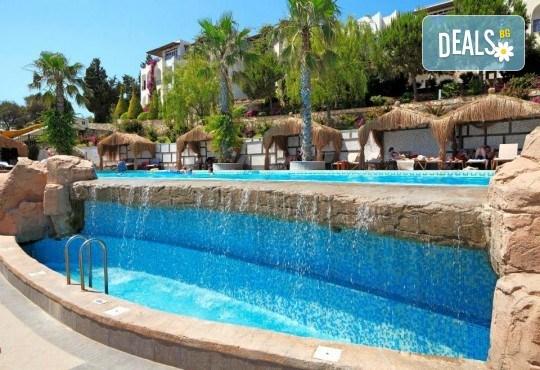 Почивка в Бодрум, Турция, септември/ октомври! 1 нощувка на база Ultra All Inclusive в Kadikale Resort & SPA 5*, възможност за транспорт - Снимка 12