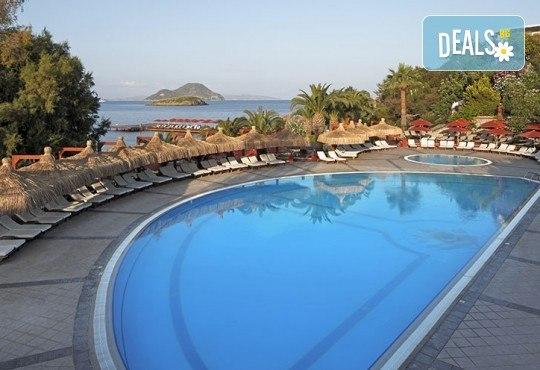 Почивка в Бодрум, Турция, септември/ октомври! 1 нощувка на база Ultra All Inclusive в Kadikale Resort & SPA 5*, възможност за транспорт - Снимка 11
