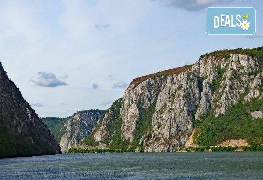 Екскурзия до Придунавска Сърбия през октомври! 1 нощувка с 1 закуска и вечеря в хотел 3* в Кладово, транспорт и водач от агенцията - Снимка 2