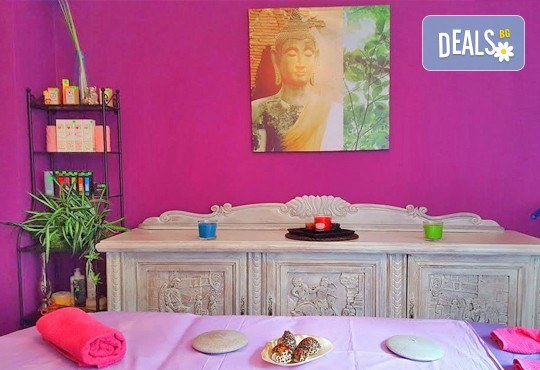 Кралски масаж с шампанско и ягоди на гръб, яка, ръце и длани за един или двама в Wellness Center Ganesha! - Снимка 7