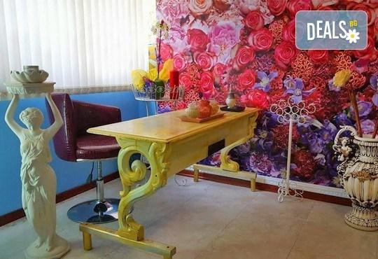 Кралски масаж с шампанско и ягоди на гръб, яка, ръце и длани за един или двама в Wellness Center Ganesha! - Снимка 10