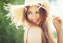 Красива визия! Калифорнийски кичури, подстригване, оформяне на прическа и бонус: 30% отстъпка от козметични процедури в студио Галинея! - Снимка