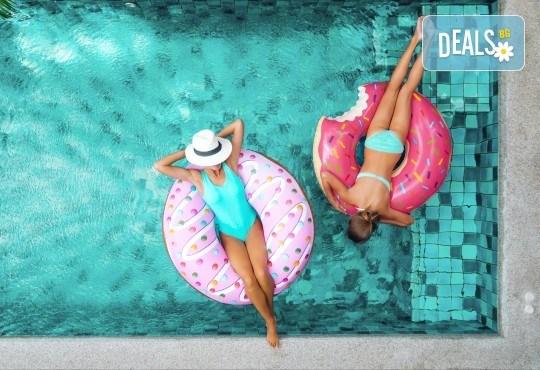 За две дами! Уикенд оферта 120 минути отслабващи процедури за две приятелки - синхронна програма: Crazy Fit, вибро колан, целутрон и антицелулитен мануален масаж с вендузи в луксозния спа център Senses Massage & Recreation! - Снимка 12