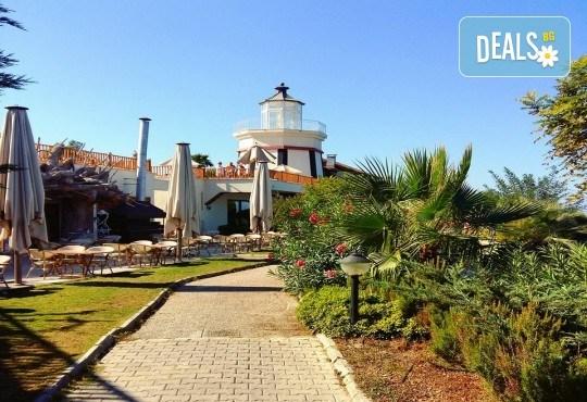 Късно лято в Sea Light Resort Hotel 5*, Кушадасъ, Турция! 5 или 7 нощувки на база Ultra All Inclusive, безплатно за дете до 12.99г., възможност за транспорт! - Снимка 8