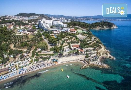 Късно лято в Sea Light Resort Hotel 5*, Кушадасъ, Турция! 5 или 7 нощувки на база Ultra All Inclusive, безплатно за дете до 12.99г., възможност за транспорт! - Снимка 9
