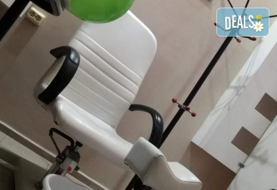 """Масажна терапия """"Винаги здрави"""" - масаж на глава и скалп или яка и рамене, консултация и изработване на индивидуална програма за упражнения в салон за красота Женско царство! - Снимка 4"""