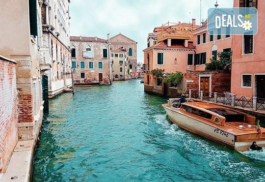 Лятна екскурзия до прелестната Венеция със самолет! 3 нощувки със закуски, самолетен билет и летищни такси - Снимка 4