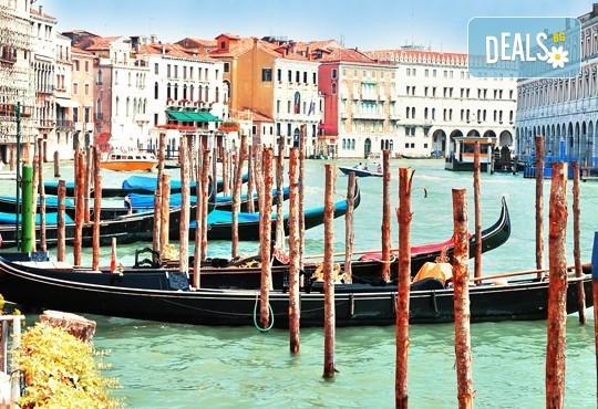 Лятна екскурзия до прелестната Венеция със самолет! 3 нощувки със закуски, самолетен билет и летищни такси - Снимка 5