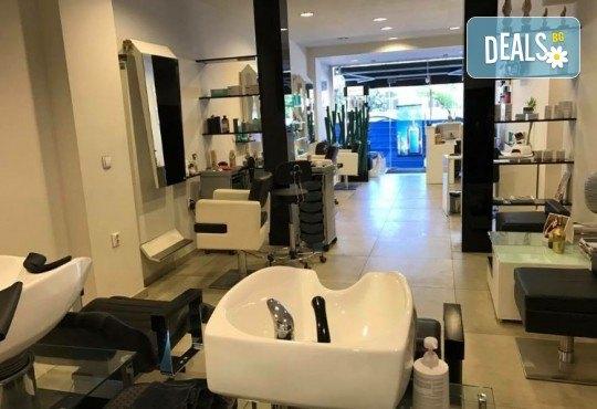 Масажно измиване с професионални продукти, подстригване и оформяне на прическа със сешоар в Art Hair Galerie! - Снимка 6