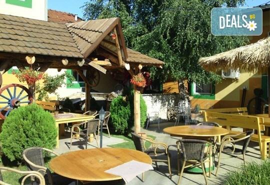 Уикенд почивка Лесковац, Сърбия, през юли! 1 нощувка със закуска и вечеря с жива музика и неограничени напитки в хотел Грош 2*, възможност за транспорт - Снимка 3