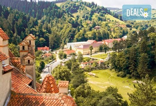 """Last minute! Екскурзия до Румъния през юни - 2 нощувки със закуски в хотел 2/3* Синая, транспорт, панорамен тур в Букурещ и посещение на замъка """"Пелеш"""", Бран и Брашов - Снимка 11"""