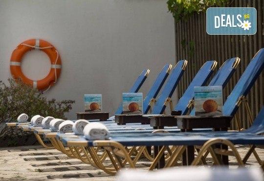 Септемврийски празници на остров Корфу, Гърция! 3 нощувки със закуски в Popi Star Hotel 2*, транспорт и водач - Снимка 13