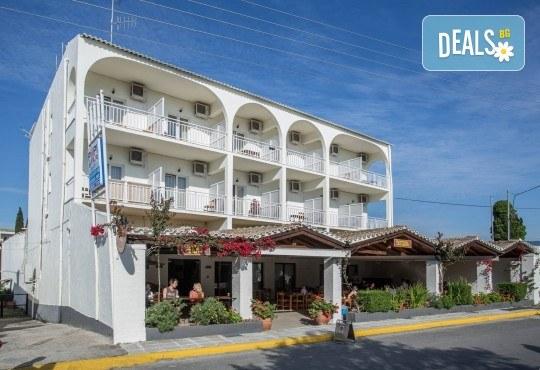 Септемврийски празници на остров Корфу, Гърция! 3 нощувки със закуски в Popi Star Hotel 2*, транспорт и водач - Снимка 8