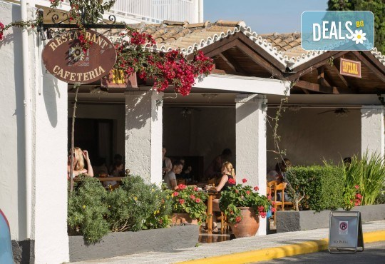 Септемврийски празници на остров Корфу, Гърция! 3 нощувки със закуски в Popi Star Hotel 2*, транспорт и водач - Снимка 12