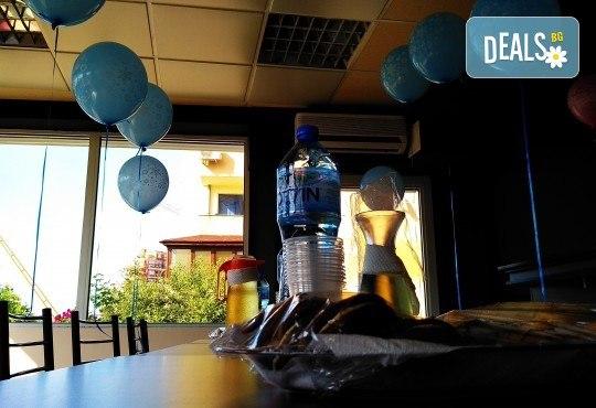 Рожден ден за до 10 деца - 3 часа наем на зала, рисунки на лица, аниматор и меню за всяко дете от Парти център замръзналото кралство - Люлин! - Снимка 11