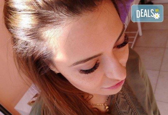 Диамантени мигли - хит за 2018! Поставяне на мигли косъм по косъм на супер цена + подарък карта за солариум в MNJ Studio - Люлин! - Снимка 3