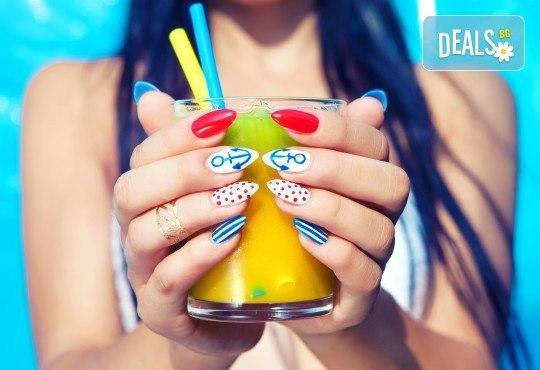 Ноктопластика чрез изграждане с гел SNB или поддръжка на ноктопластика, маникюр с гел лак Kiara Sky и 2 авторски декорации от Nail Salon Desire! - Снимка 1