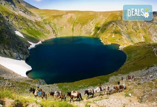Еднодневна екскурзия до Седемте рилски езера през юли или август! Транспорт и екскурзовод от Глобул Турс! - Снимка 1