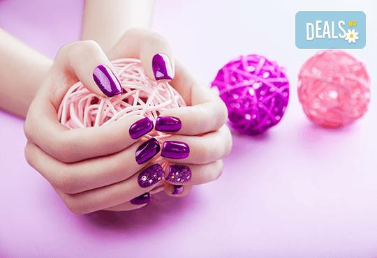 Ноктопластика с удължители или с изграждане и рисувани декорации в Студио за маникюр Vess Nails - Снимка 3