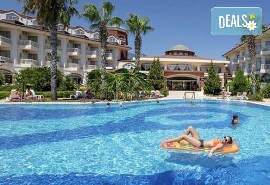 Last minute! Почивка в Кемер, Турция - 7 нощувки All Inclusive в хотел Larissa Sultan's Beach Hotel 4*, директен чартърен полет, летищни такси, багаж, трансфери - Снимка 2