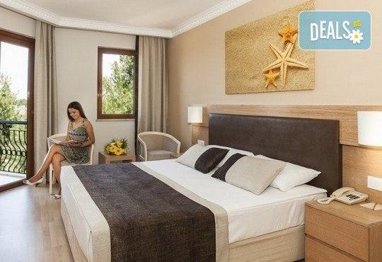 Last minute! Почивка в Сиде, Турция - 7 нощувки All Inclusive в хотел Larissa Stone Palace Hotel 5*, директен чартърен полет, летищни такси, багаж, трансфери - Снимка 4