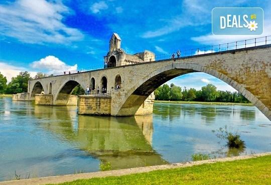 Самолетна екскурзия до Барселона, Френската ривиера и Прованс през септември! 6 нощувки с 6 закуски и 3 вечери в хотели 2/3*, самолетен билет, трансфери и екскурзовод - Снимка 10