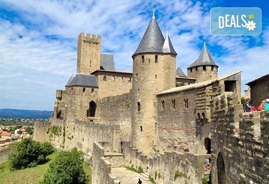 Самолетна екскурзия до Барселона, Френската ривиера и Прованс през септември! 6 нощувки с 6 закуски и 3 вечери в хотели 2/3*, самолетен билет, трансфери и екскурзовод - Снимка 11