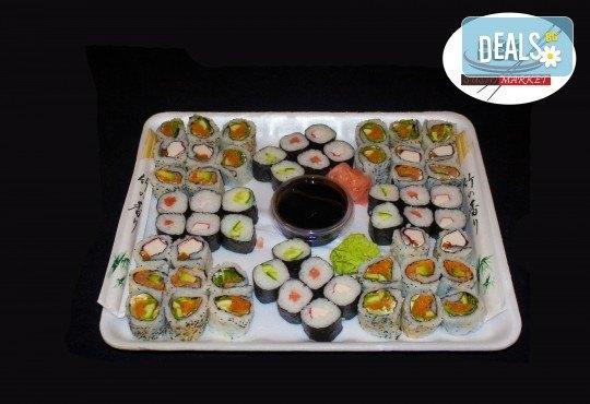 56 суши хапки с филаделфия, сьомга и херинга или скариди от Sushi Market