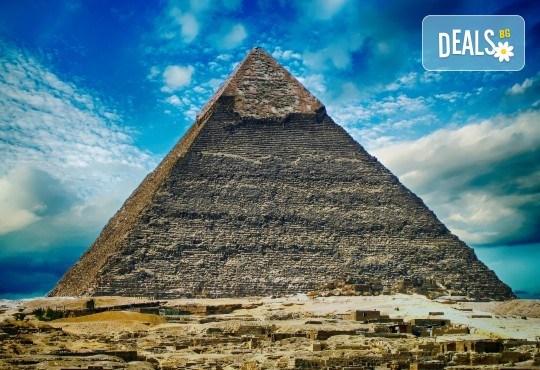 Есенна екзотика в Египет! 4 нощувки на круизен кораб 5* на база FB и 3 нощувки All Inclusive в хотел 5* в Хургада, самолетен билет, летищни такси, трансфери и богата програма! - Снимка 1