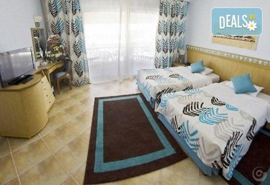 Почивка в Египет през есента! 7 нощувки на база All Inclusive в Seagull Beach Resort 4*+ в Хургада, самолетен билет, летищни такси и трансфери - Снимка 17