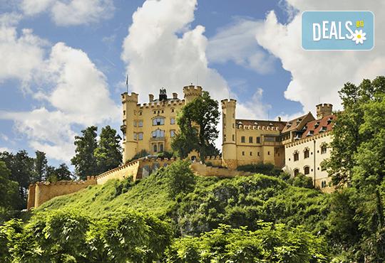Екскурзия през септември до приказните Баварски замъци! 5 нощувки със закуски в хотели 2*/3*, транспорт, панорамни обиколки на Любляна и Инсбрук и посещение на замъка Блед! - Снимка 3