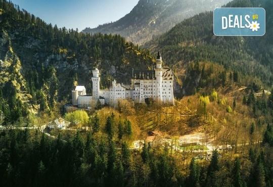 Екскурзия през септември до приказните Баварски замъци! 5 нощувки със закуски в хотели 2*/3*, транспорт, панорамни обиколки на Любляна и Инсбрук и посещение на замъка Блед! - Снимка 2