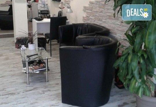 Изграждане с гел, лакиране с гел лак Bluesky, 2 декорации и бонус: 20% отстъпка за поддръжка в салон за красота Алма Морел! - Снимка 11