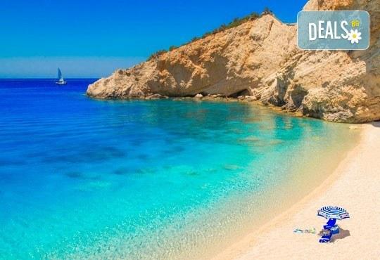 Мини почивка на о. Лефкада, Гърция, през септември! 3 нощувки със закуски в хотел 4* на първа линия, с басейн и панорама към Йонийско море, транспорт и екскурзовод! - Снимка 3