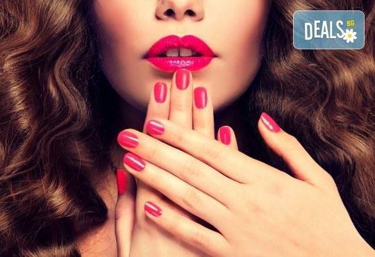 Цвят и дълготрайност! Маникюр с гел лак, 2 декорации и бонус: сваляне на стар гел лак в New faces-beauty studio! - Снимка 2