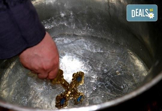 Фотозаснемане на кръщение - неограничен брой обработени кадри, фотосесия, АРТ кадри и DVD с луксозна обложка! - Снимка 2