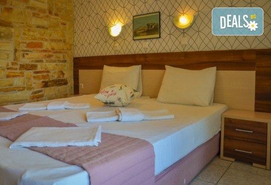 Мини почивка за Септемврийските празници на о. Тасос! 3 нощувки със закуски и вечери в Ellas Hotel 2*, транспорт, посещение на Кавала и Драма! - Снимка 13
