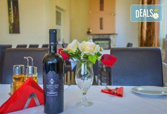 Мини почивка за Септемврийските празници на о. Тасос! 3 нощувки със закуски и вечери в Ellas Hotel 2*, транспорт, посещение на Кавала и Драма! - Снимка 17
