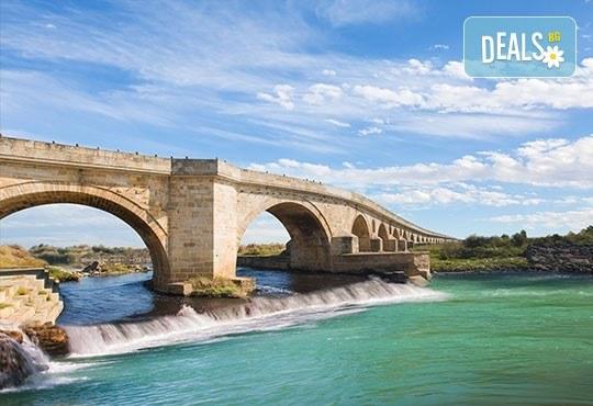 Разходка и шопинг за един ден в Одрин, Турция, през октомври или ноември! Транспорт, водач, панорамна обиколка и посещение на Margi Outlet - Снимка 2