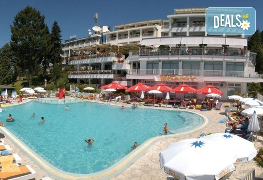 Септемврийски празници в Охрид, Македония! 3 нощувки със закуски и вечери в Hotel Granit 4*, транспорт, екскурзовод и посещение на Скопие! - Снимка 2