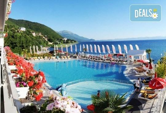 Септемврийски празници в Охрид, Македония! 3 нощувки със закуски и вечери в Hotel Granit 4*, транспорт, екскурзовод и посещение на Скопие! - Снимка 1