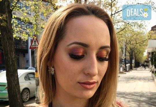 Професионален грим за сватби, официални събития и специални поводи с козметика на MAC, NYX, Inglot и др. от гримьор Елица Толева в L'Perla beauty studio! - Снимка 6